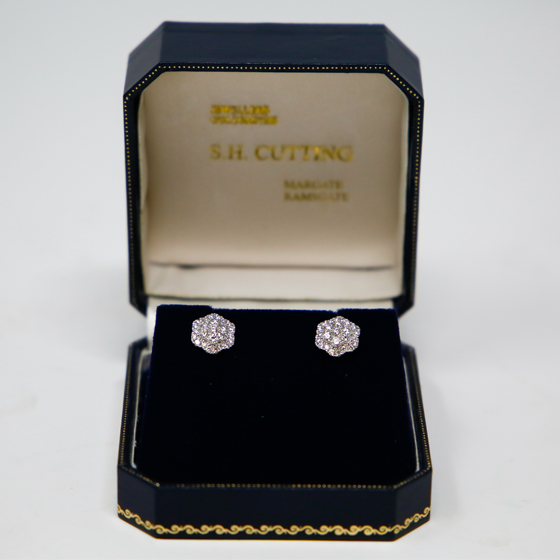 Cuttings Jewellers and Pawnbrokers Earrings Category.jpg