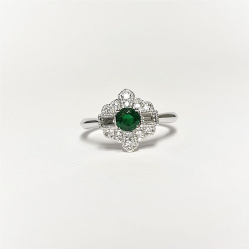 Cuttings Jewellers and Pawnbrokers, womens luxury silver ring with thing band and diamond setting and emerald stone