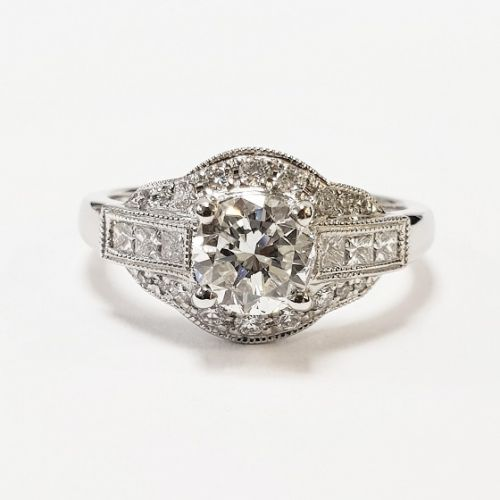 Cuttings Jewellers and Pawnbrokers, womens luxury silver ring with large circle diamond and two rectangle diamonds