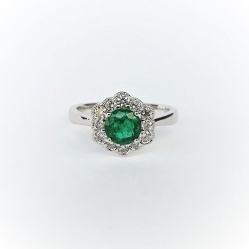 Cuttings Jewellers and Pawnbrokers, womens luxury silver ring with diamond flower setting and emerald stone centre